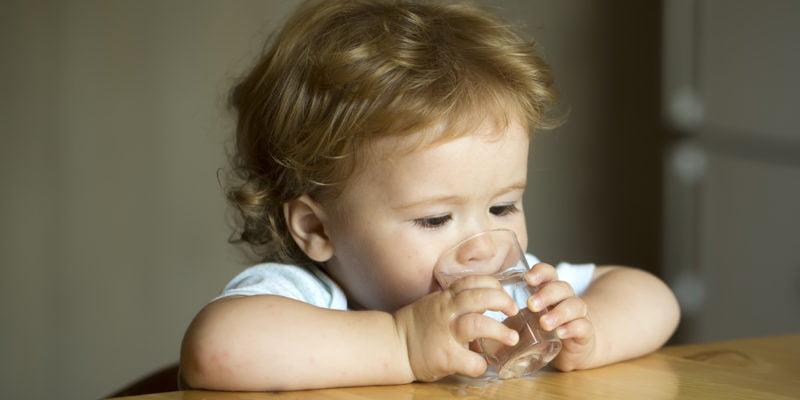 toddler drinking tap water