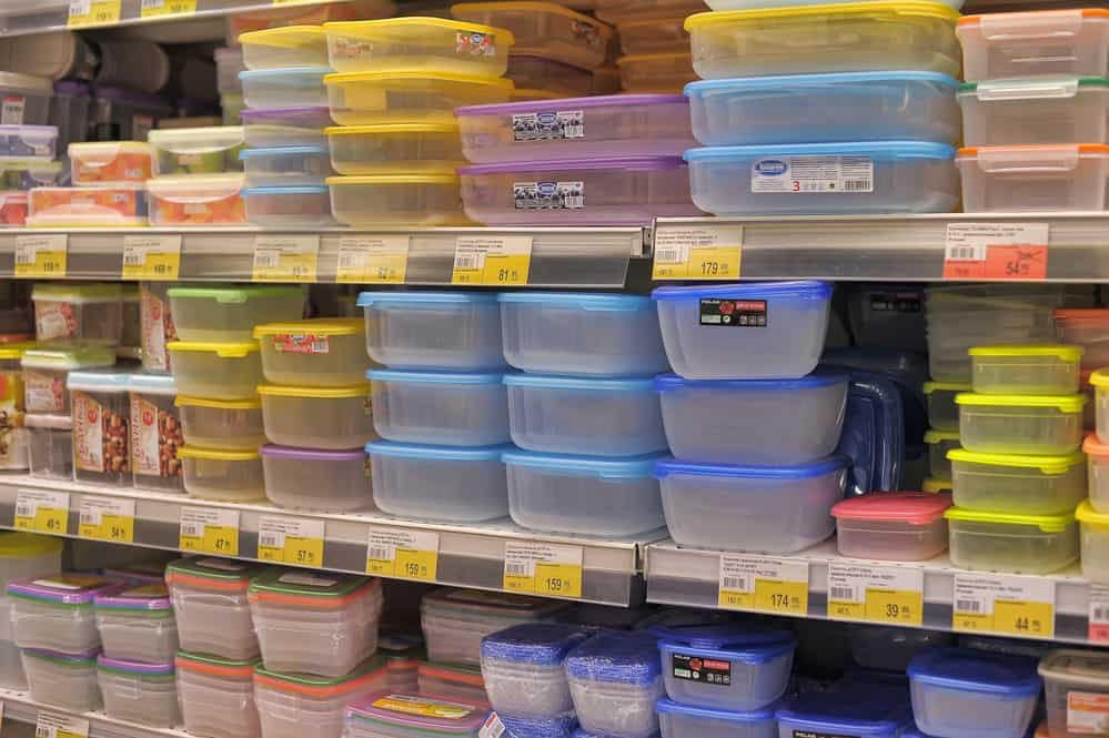plastic-free food storage containers for the kitchen