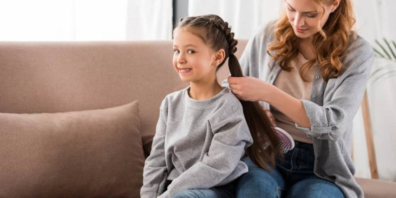 10 Homemade Hair Detangling Spray Recipes for DIYers 2