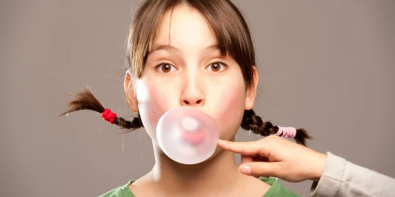 Experts Say Children Under 10 Should Chew Gum Regularly and This Is Why 8