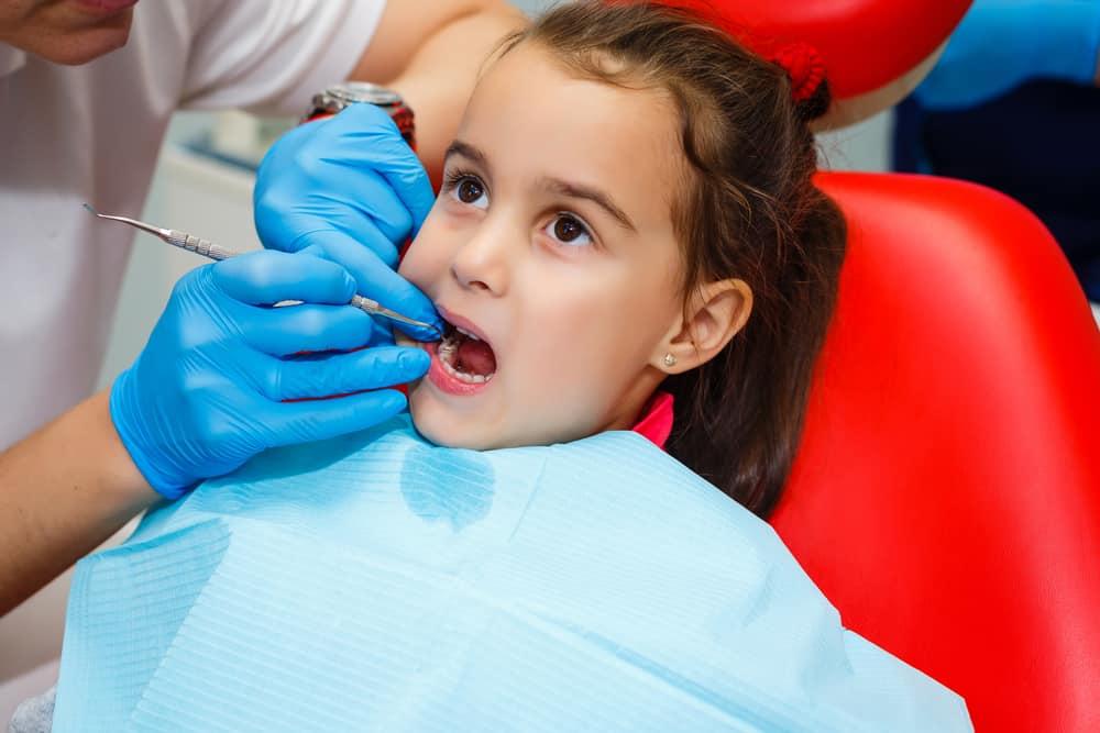 experts say children should chew gum