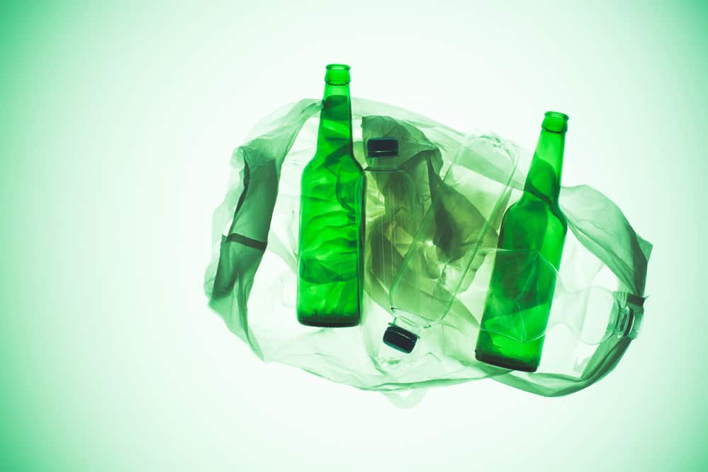 experts recommend reducing plastic