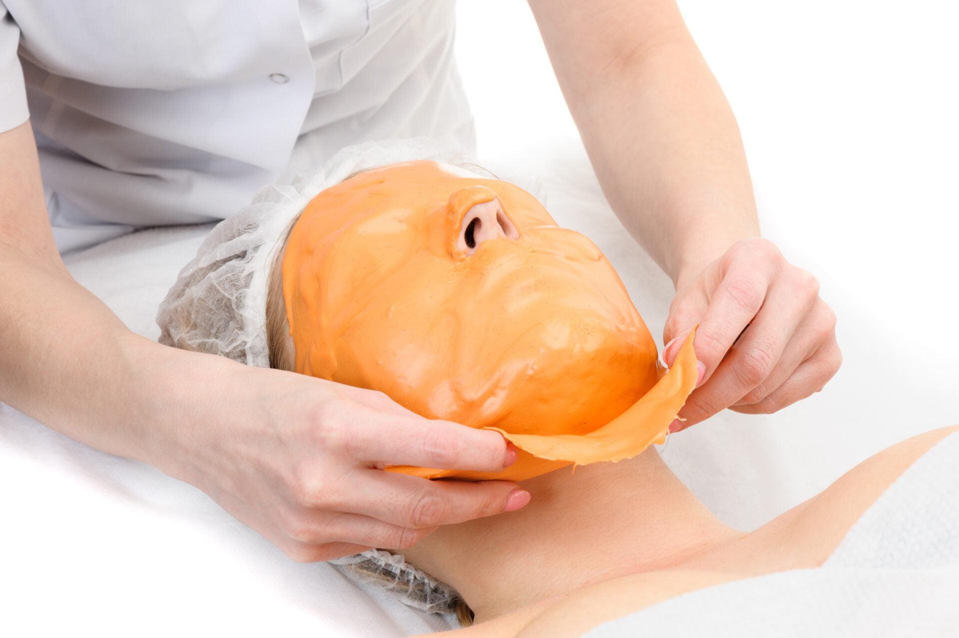 Beauty salon, removing of Alginate Peel-Off Powder facial Mask