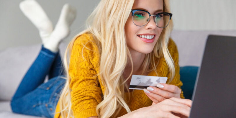 blonde lady doing online shopping