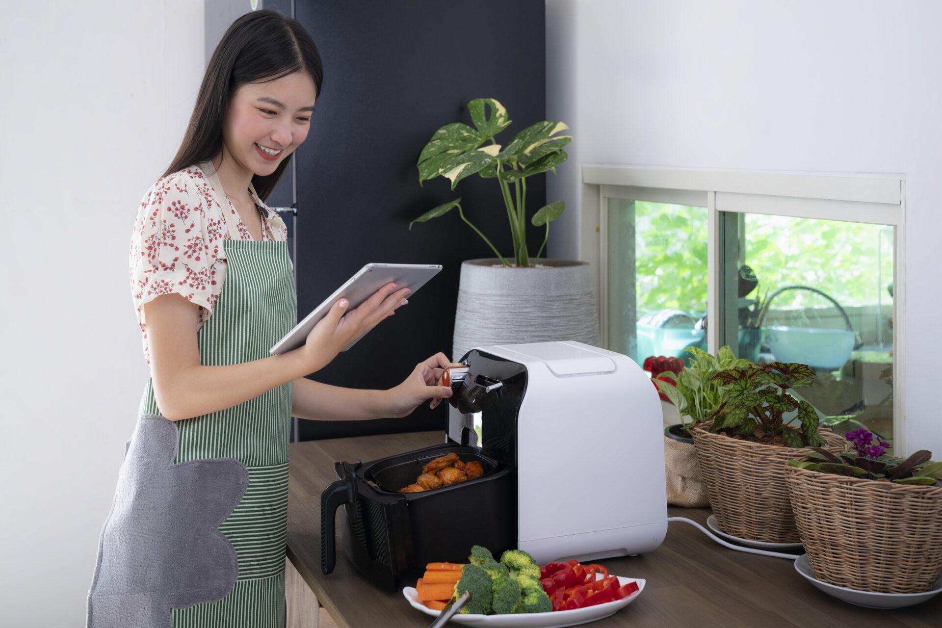 Safest Air Fryers & Air Fryer Ovens Sans Toxic PFAS Coatings 2021